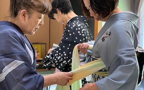 千葉県の着物・振袖店みかわやの着方教室